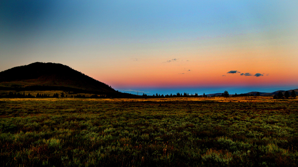 Sunset across the Yellowstone plains.