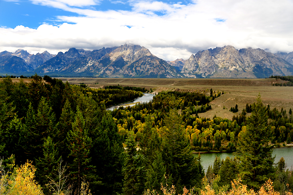 Snake River from same viewpoint Ansel Adams used. Any similarity ends at this point.